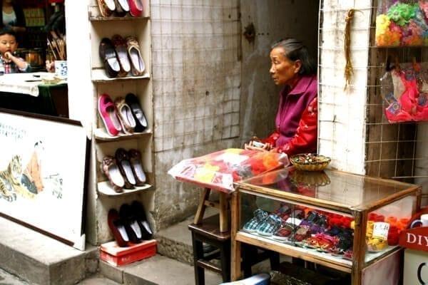 tunxi ancient street merchant