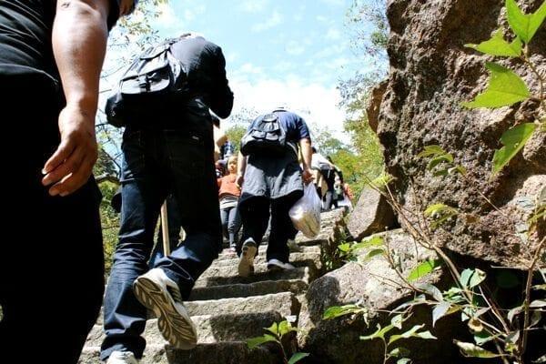 climbing-huangshan-stairs