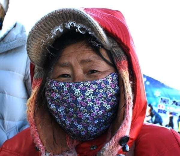 harbin-locals - Harbin Ice Festival and Freezing our Butts Off! by thewoksoflife.com