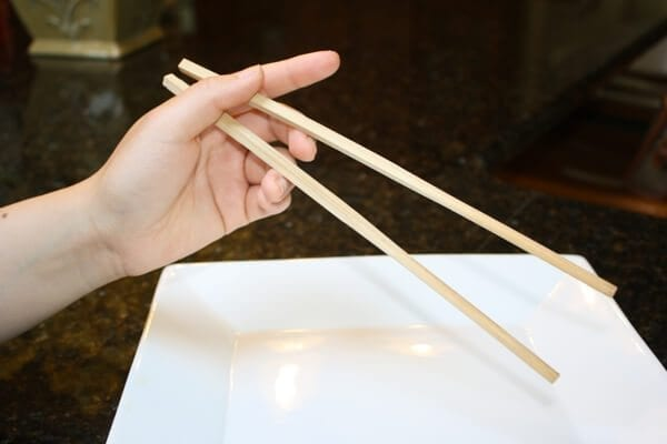 how-to-use-chopsticks-2