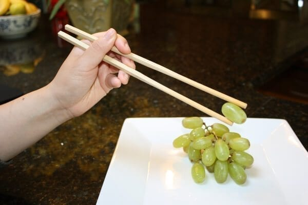 how-to-use-chopsticks-4