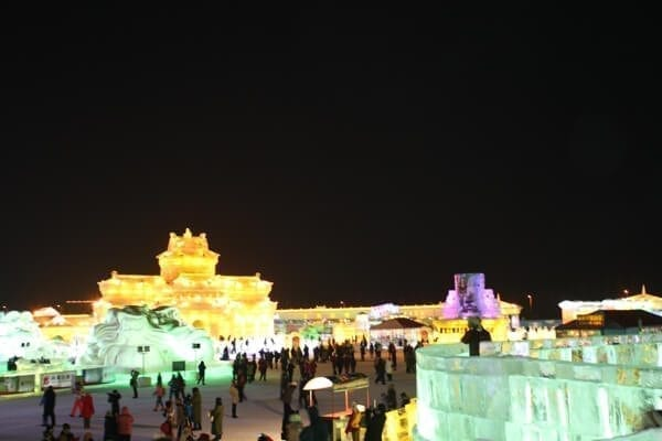 ice-and-snow-world - Harbin Ice Festival and Freezing our Butts Off! by thewoksoflife.com