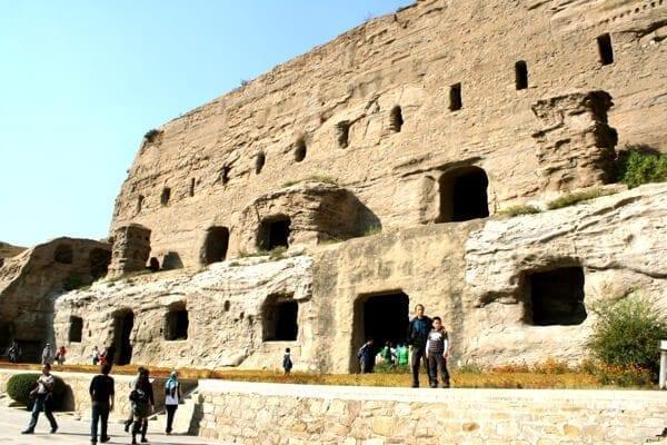 yungang-grottoes-10