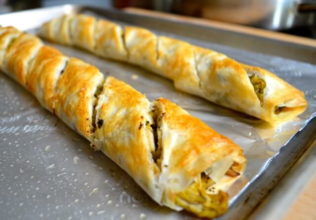 chicken phyllo roll