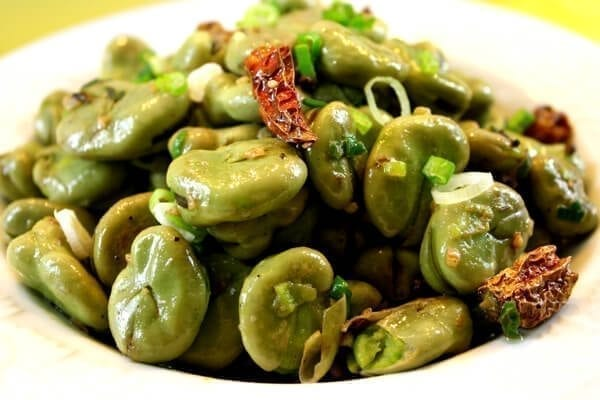 Fava beans with Sichuan peppercorns and dried chilies