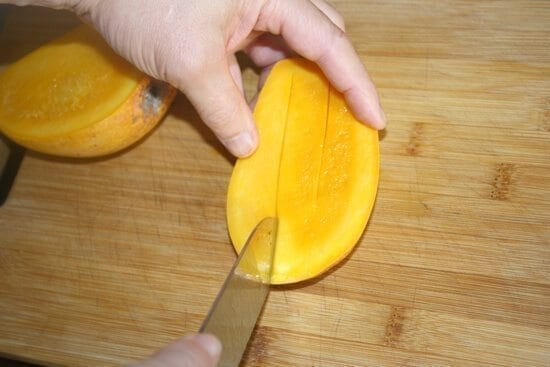 how to slice mangoes
