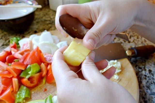 peeling-ginger