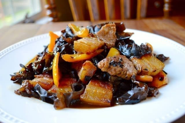 Pork Belly with Bell peppers and Wood Ear Mushrooms