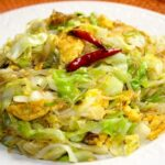 Chinese cabbage noodle stir-fry with eggs