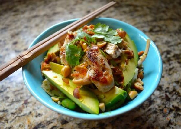 Thai salad with peanut and lime