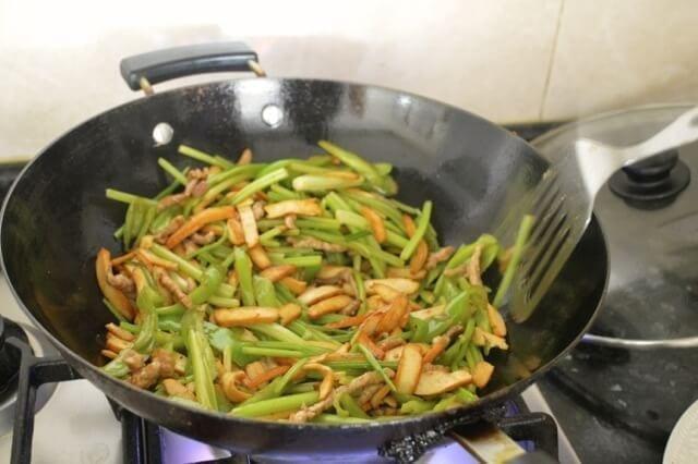 Jen's Tofu Stir-Fry - Chinese Home Cooking, by thewoksoflife.com