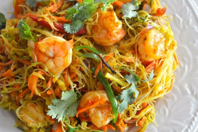 Singapore Noodles (Singapore Mei Fun), by thewoksoflife.com