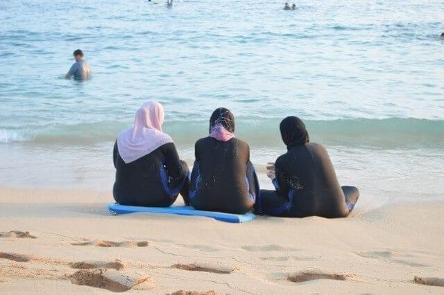 16 Reasons Why Hawaii is Pretttttty Much The Bomb - beach, by thewoksoflife.com