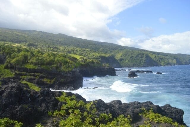 16 Reasons Why Hawaii is Pretttttty Much The Bomb -oheo-gulch, by thewoksoflife.com