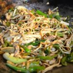 tofu noodle stir-fry with green peppers and chicken