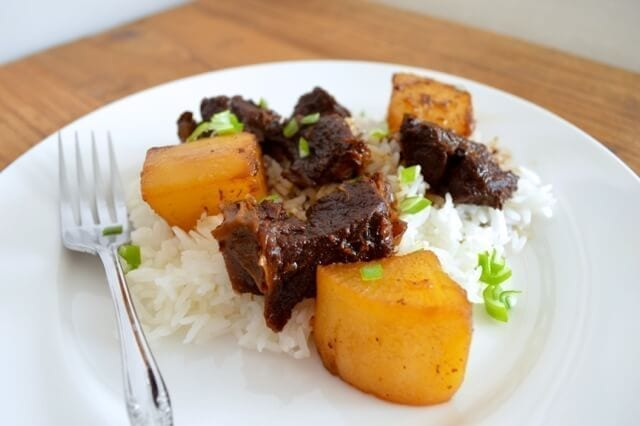 Chinese Braised Beef and Turnips (Daikon Radish), by thewoksoflife.com