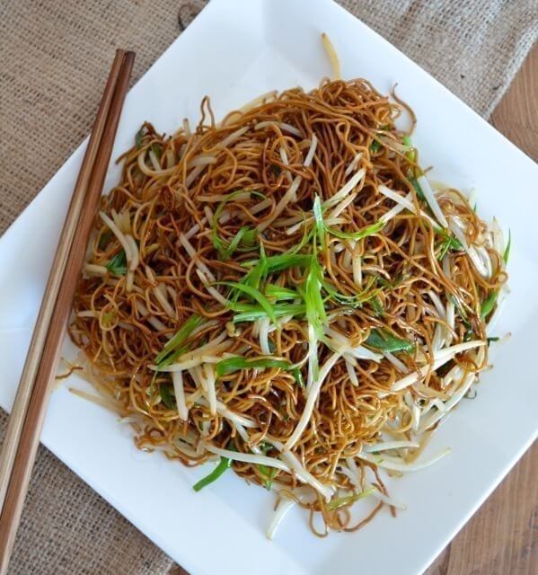 Cantonese soy sauce pan-fried noodles