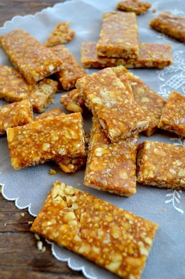 chinese-sesame-peanut-brittle-16