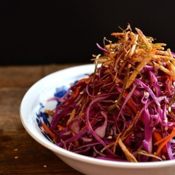 red cabbage slaw with crispy shoestring potatoes