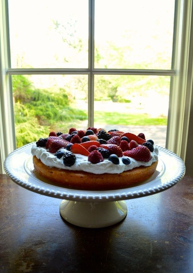 berry-layer-cake-