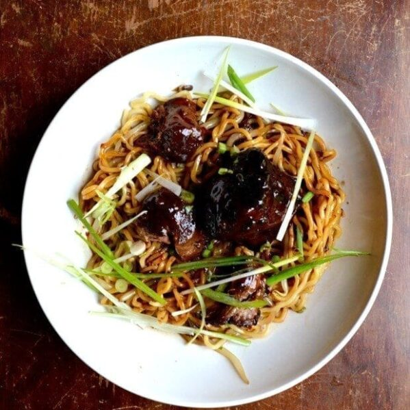 Braised oxtail noodles