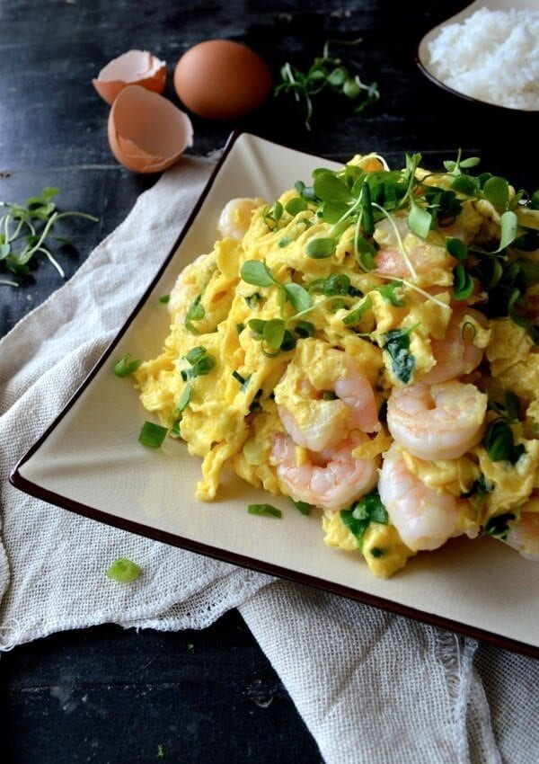 Stir-fried Shrimp and Eggs by thewoksoflife.com