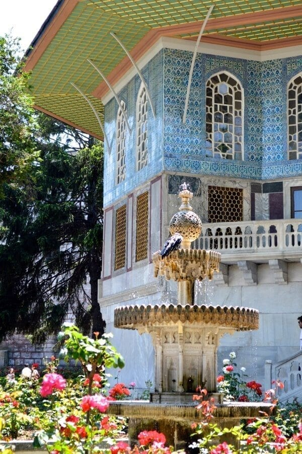 Topkapi Palace - How to See Istanbul In One Day by thewoksoflife.com