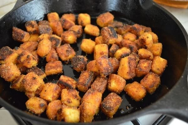 Pan-frying crispy tofu cubes