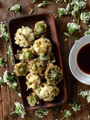 Chinese Garlic Chive Flower Tempura Recipe, by thewoksoflife.com