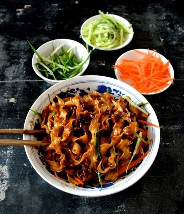 Beijing Fried Sauce Noodles - Zha Jiang Mian by thewoksoflife.com