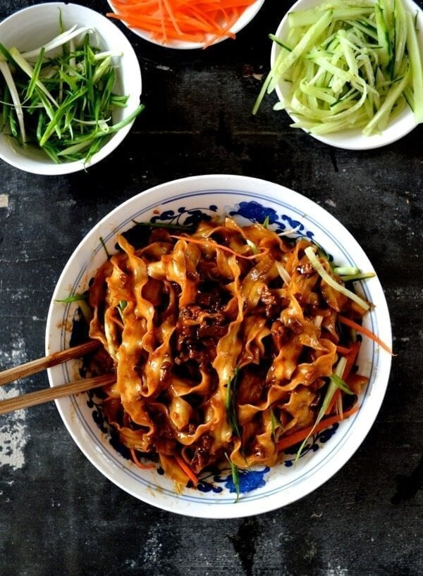 Beijing Fried Sauce Noodles - Zha Jiang Mian by thewoksoflife.com