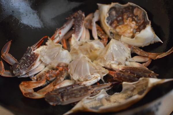 Curry Crab, by thewoksoflife.com