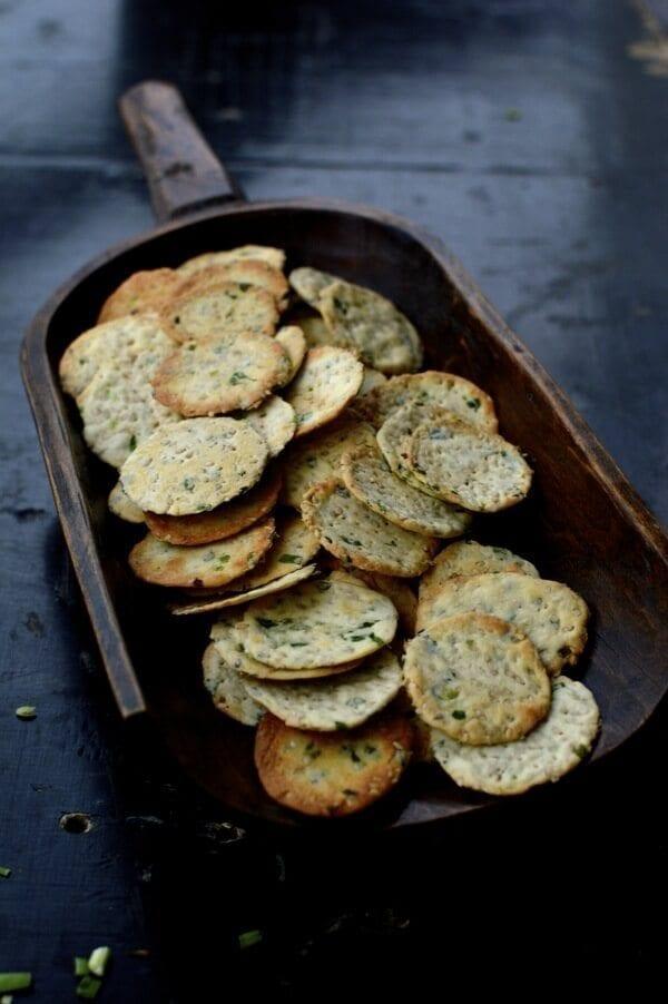 Scallion Sesame Crackers, by thewoksoflife.com