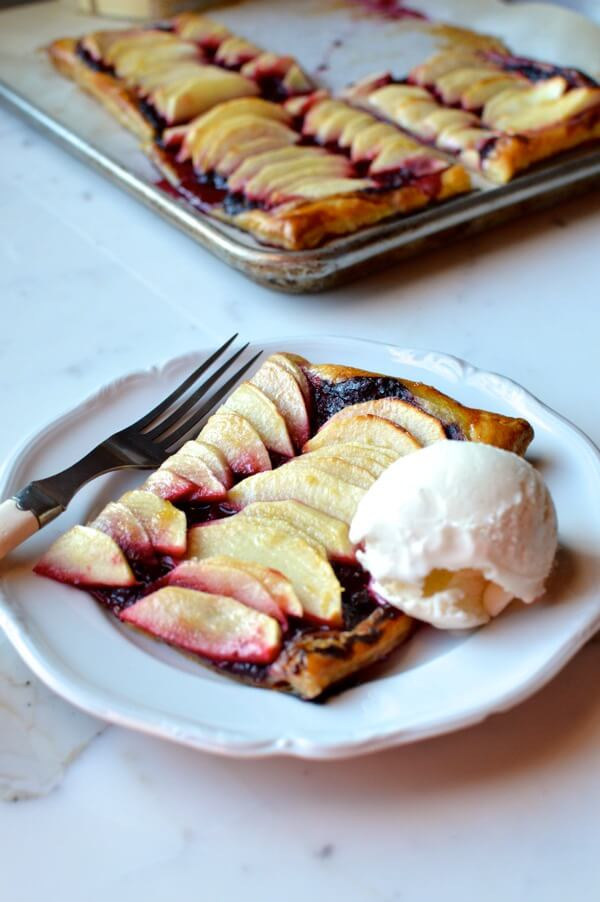Quick Blackberry Apple Tart, by thewoksoflife.com
