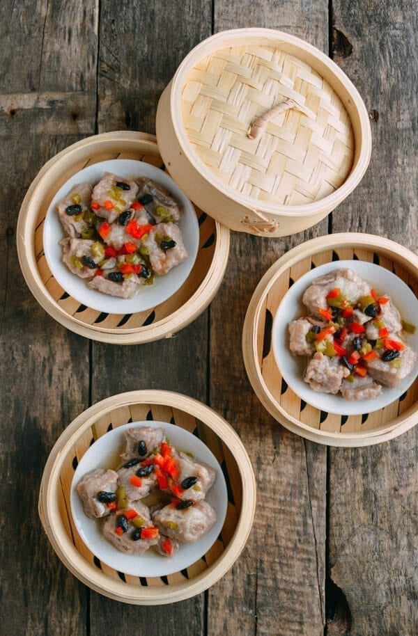 Dim Sum Steamed Spare Ribs with Black Beans, by thewoksoflife.com