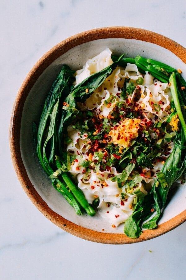 Fast Hot Oil Noodles (You Po Mian), by thewoksoflife.com