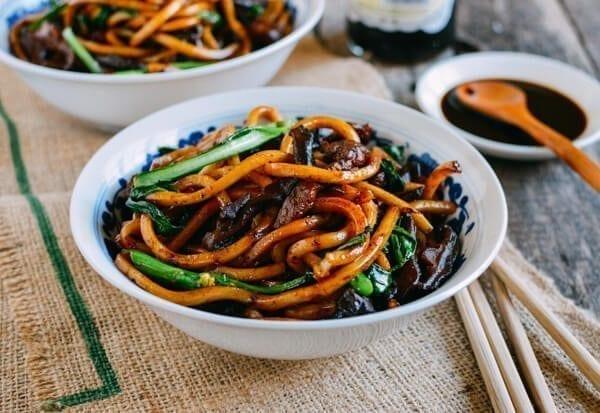 Shanghai Fried Noodles Cu Chao Mian The Woks Of Life