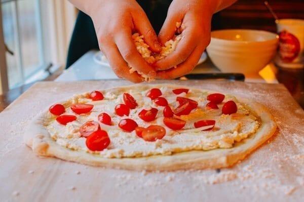 Veggie Pizza, by thewoksoflife.com