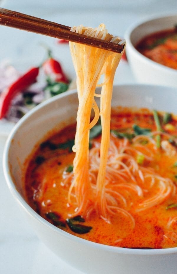 15 Minute Coconut Curry Noodle Soup The Woks Of Life