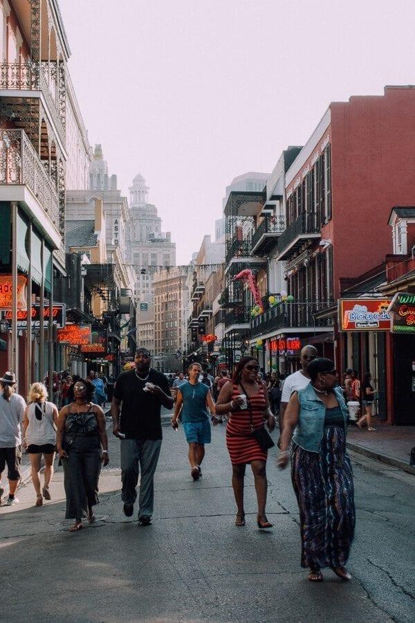 New-Orleans-bourbon-street4
