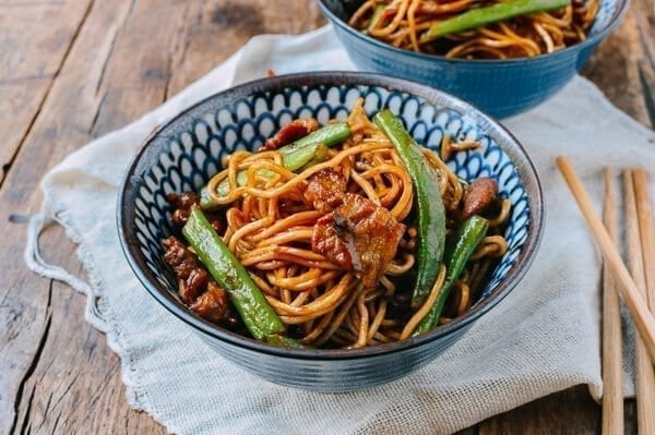 Noodles with green beans and pork