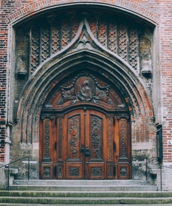 munich church door