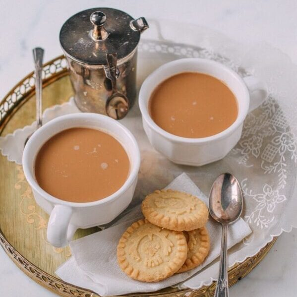 yuanyang tea with butter cookies