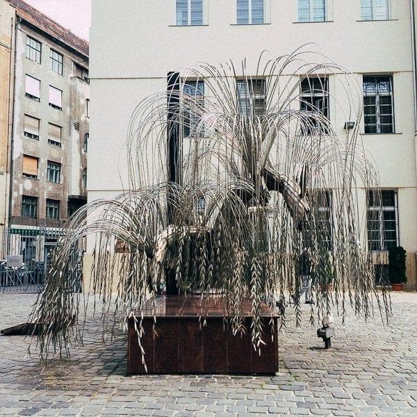 budapest holocaust tree