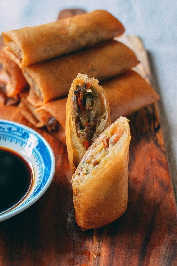 Cross-section of Chinese spring rolls, by thewoksoflife.com