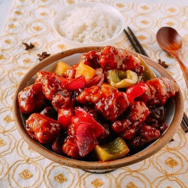 Sweet and sour pork with pineapple and peppers