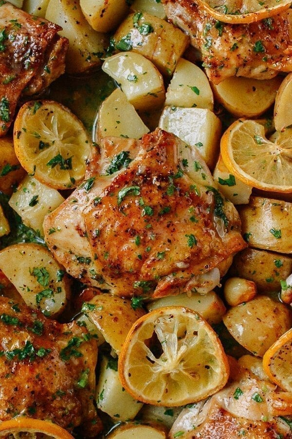 Easy recipes for chicken thighs baked with potatoes
