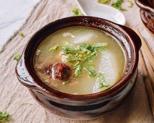 Simple Chinese Oxtail Soup The Woks Of Life