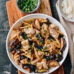 Steamed chicken with mushrooms and lily flowers