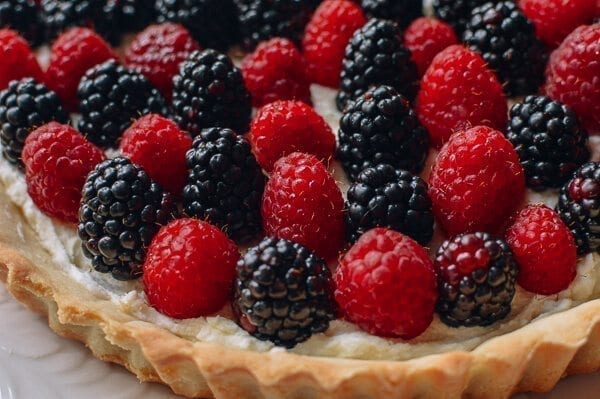 Fresh Berry Tart with Sweet Mascarpone Filling, by thewoksoflife.com